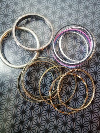 Conjunto 17 pulseiras, 2.50€