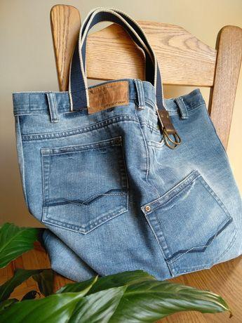Sportowa jeansowa torba na ramię