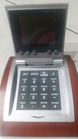 kalkulator, kalendarz, na baterię słoneczną, biurkowy kalendarz