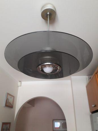 Lampa wisząca z żarówką