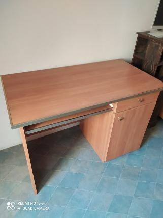 Prawie nowe Biurko z szufladą i szafką