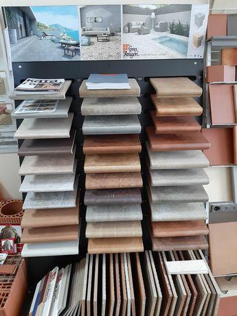 Клинкерные керамические ступени и плитка.