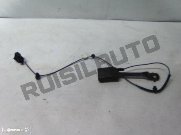 Encaixe De Cinto Frente Esquerdo Renault Master Iii Caixa 2.3