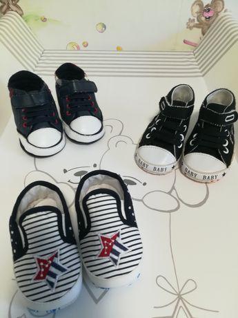 Пинетки для мальчика (мокасины, кеды, ботиночки)