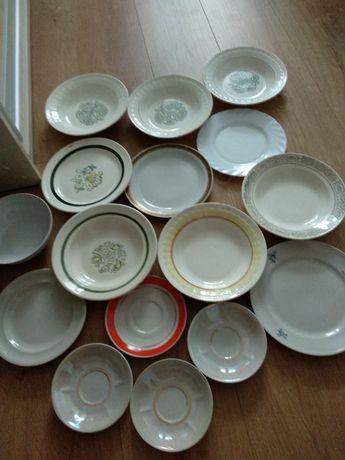 Продам посуд:сервізи,тарілки,стопки,ложки,виделки.