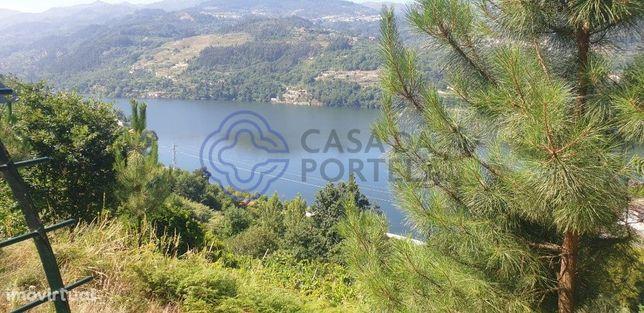 Quintinha com terreno de 4.062 m2 com vistas para o Rio Douro