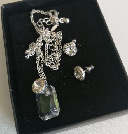 Komplet biżuterii w kolorze srebra - kryształki