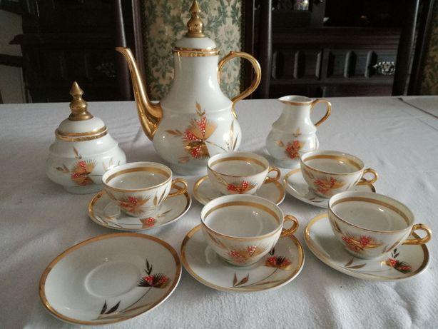 Serviço de Café de Porcelana Branca e Filé Dourado