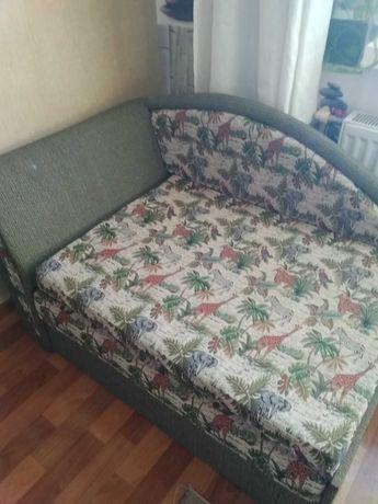 Продам диван для прихожей