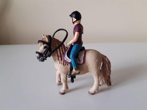 Schleich zestaw koń kuc jeździec wszystko co na zdjęciu