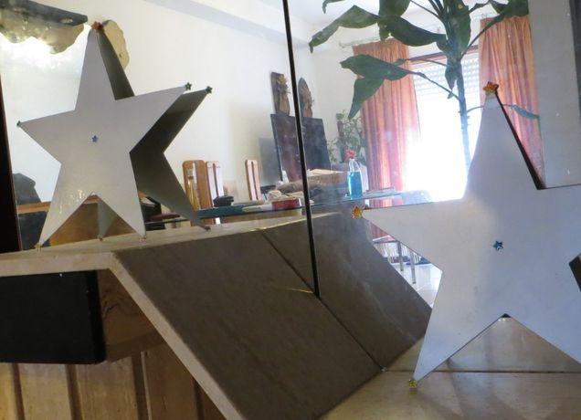 Estrelas cartão metalizado, dupla face c/ estrelas nas pontas
