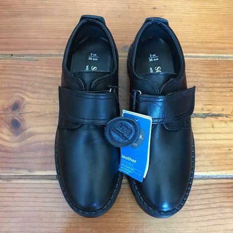 Sapatos uniforme /uniform shoes Marks & Spencer - UK 2/EUR 35 - NOVOS!
