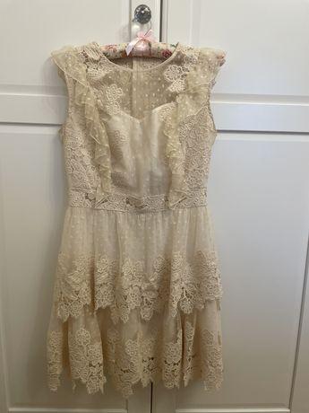 Kremowa sukienka boho falbany M