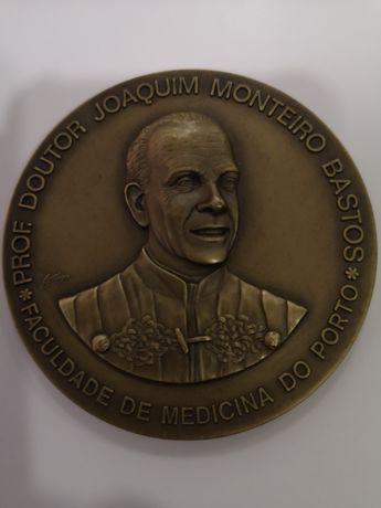 Medalha do instituto de ciências biomédicas Abel Salazar