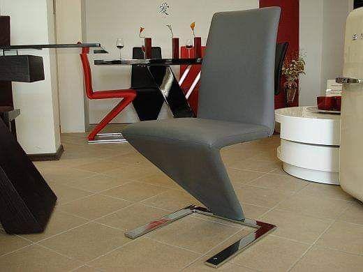 Nowe nowoczesne krzesła