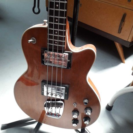 Baixo electrico GUILD M-85 anos 70 completamente revisionado.