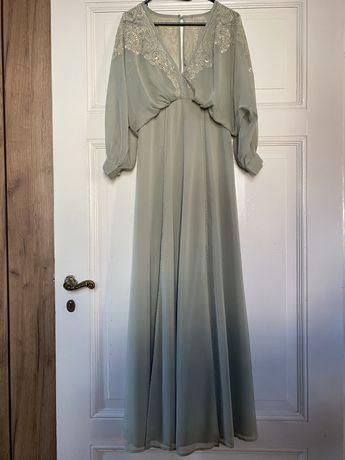 Delikatna suknia Asos