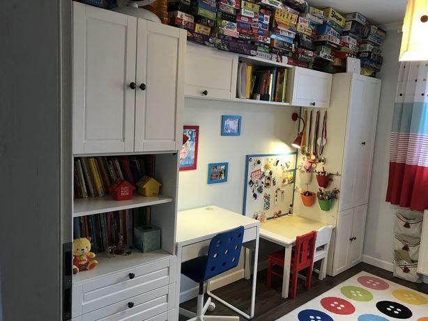 Kompletne meble do pokoju dzieciecego (meble, stolki, krzesla, dywan,