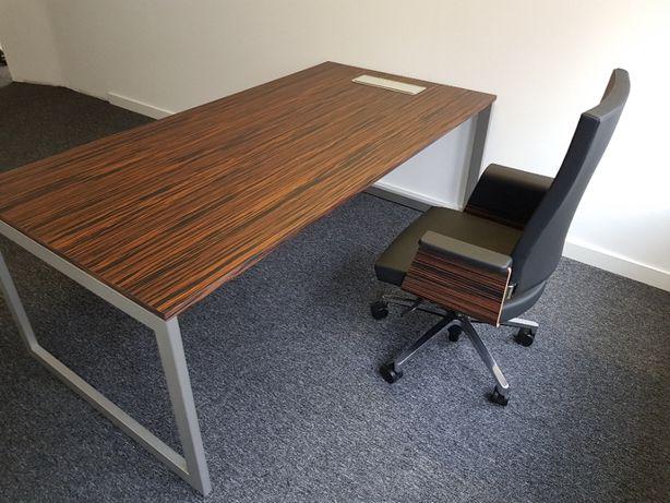 Secretária - escritório