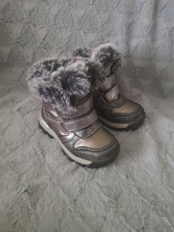 Зимове взуття для дівчинки 24розмір