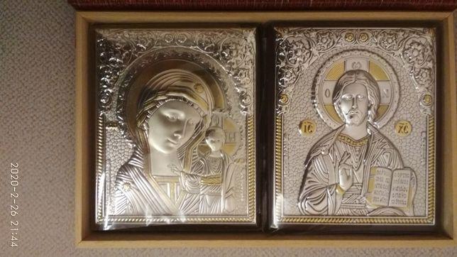 Пара срібних іконок в подарунковій упаковці