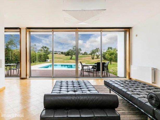 Moradia T3 com Piscina, no Bom Sucesso Resort, na Lagoa d...