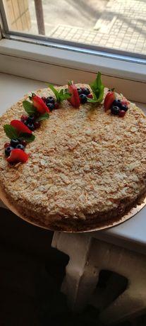 Домашние торты (классика) Наполеон, Медовик,Пинчер, Сникерс