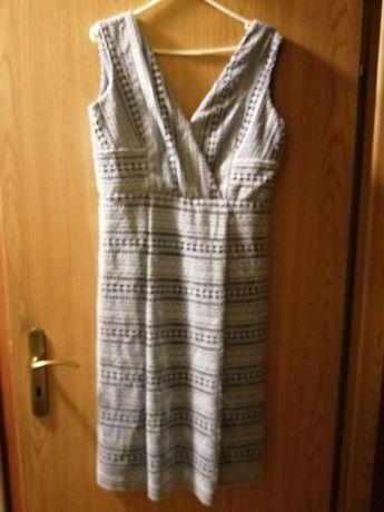 Koronkowa sukienka Wallis