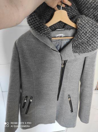 Płaszcz zimowy szary S stan idealny