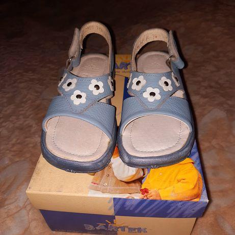 Sandały dla dziewczynki roz.27,28,25