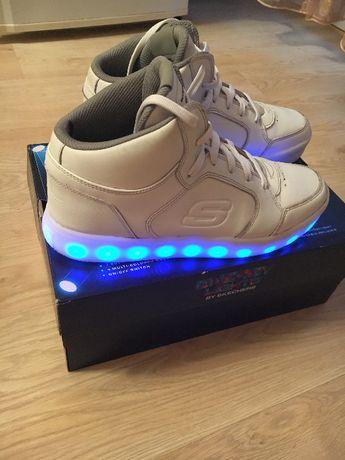 Продам светящиеся кроссовки Skechers, р. 39-39. 5