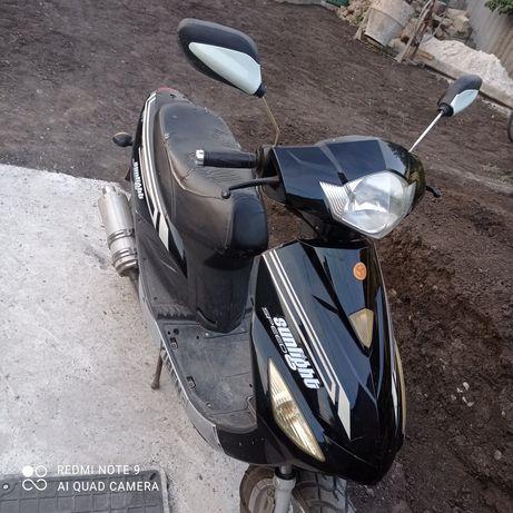 Скутер YIBEN  в хорошем состоянии