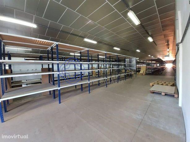 Armazém com 1078 m2   Parque Empresarial de Valença   Gandra