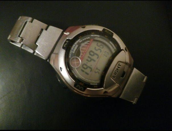 Продаю б/у мужские часы