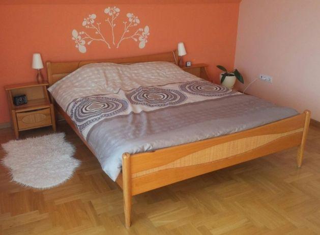 Sypialnia - meble sosnowe z naturalnym ratanem