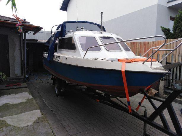 łódka, łódź kabinowa wędkarsko- rekreacyjna