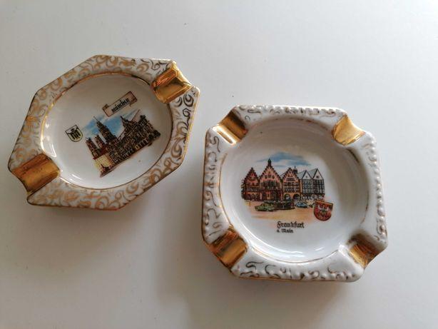 Par de cinzeiros pequenos em cerâmica, lembranças da Alemanha de 70s