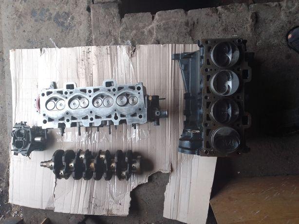Продам двигатель  головка 2109