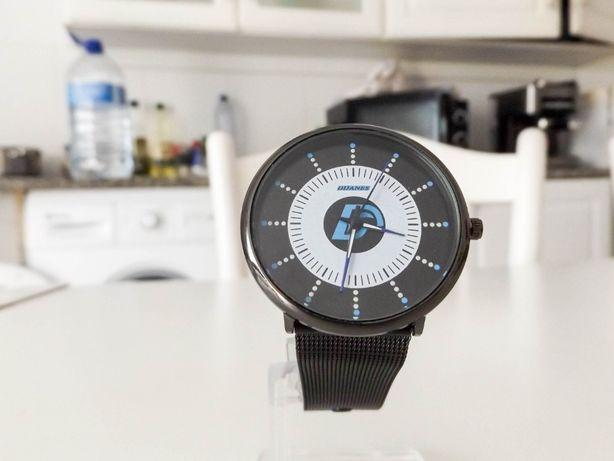 Relógio de homem clássico para o pulso elegante em aço inoxidável HQ