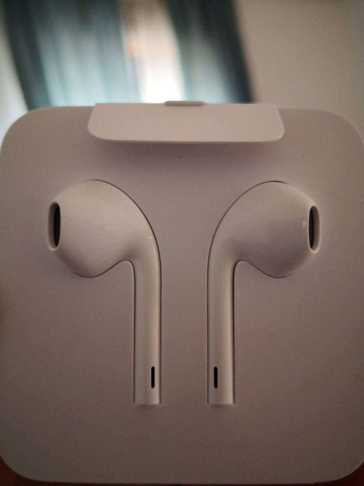 Fones Apple iPhone 12 pro max originais