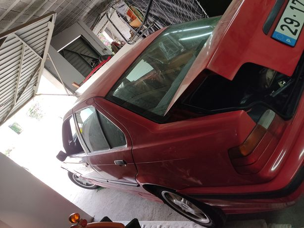 BMW 325TDS só 100.000 Km c/ documentos em dia