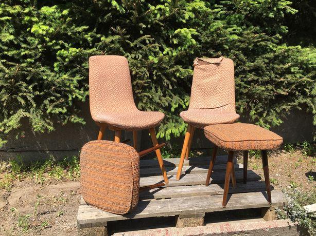 """Sprzedam dwa krzesła o nazwie A6150 i dwa taborety """"patyczaki"""""""
