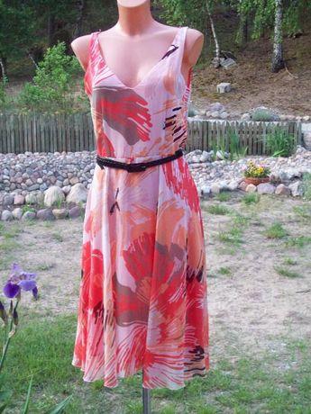 Krótka sukienka na ramiona mgiełka odcinana w pasie rozkloszowana