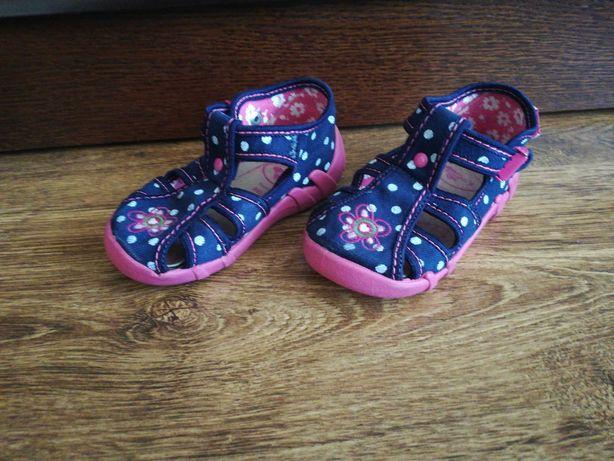 Sprzedam buciki dla dziewczynki firmy RenBut rozmiar 22 23.