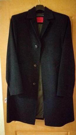 Продам мужское пальто Pierre Cardin