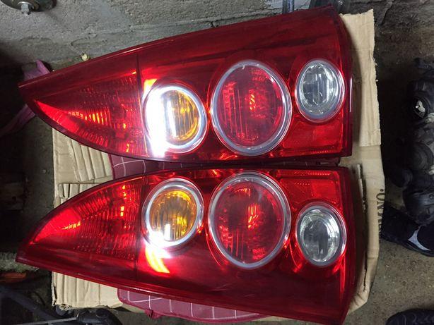 Lampa tylnia Mazda Premacy Lift lewa prawa tył