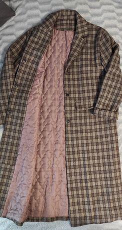 Стильне пальто в клітку