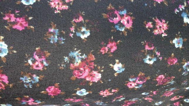 Tkanina czarna w kwiatki
