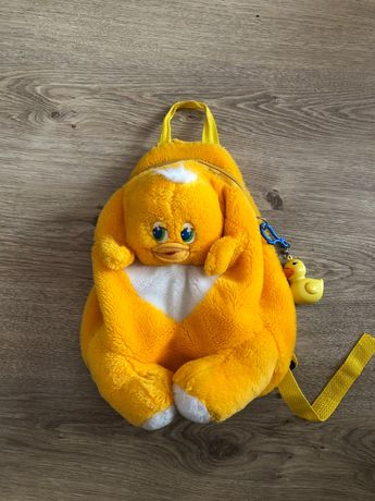Детский мягкий рюкзак-утенок