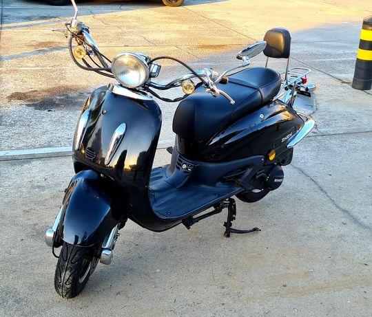 Mota Znen 125cc impecável